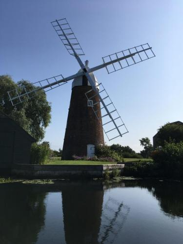 Windmill by Oliver Halliday